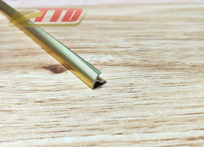 Nẹp nhôm T7.5 màu vàng bóng