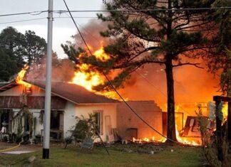 Cháy nhà do bị sét đánh